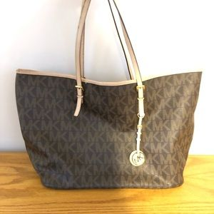 Michael Kors Tote. Used Condition. Price to Sell!